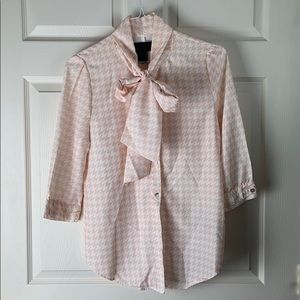 Blush/ white houndstooth blouse